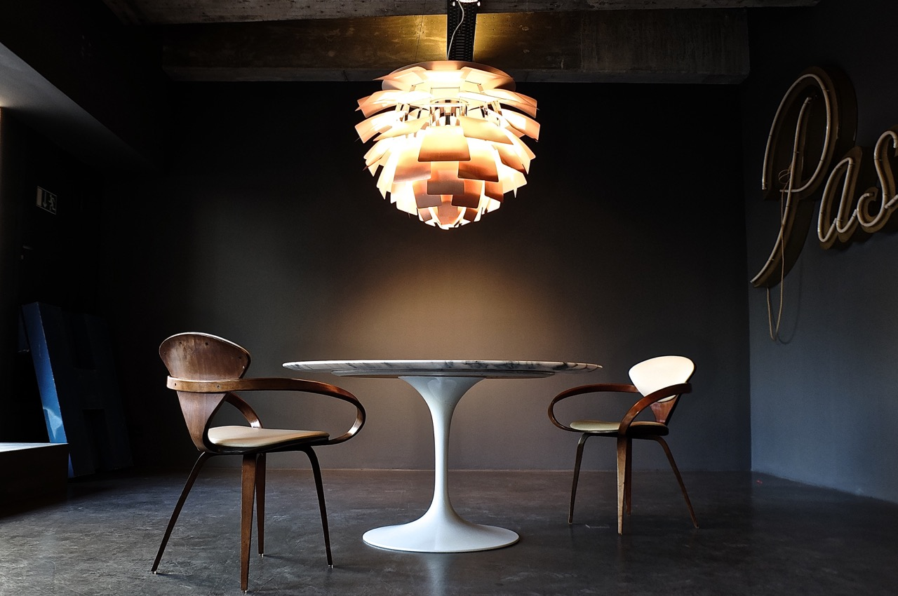 Round Pedestal Dining Table Marble Top.   antibeige